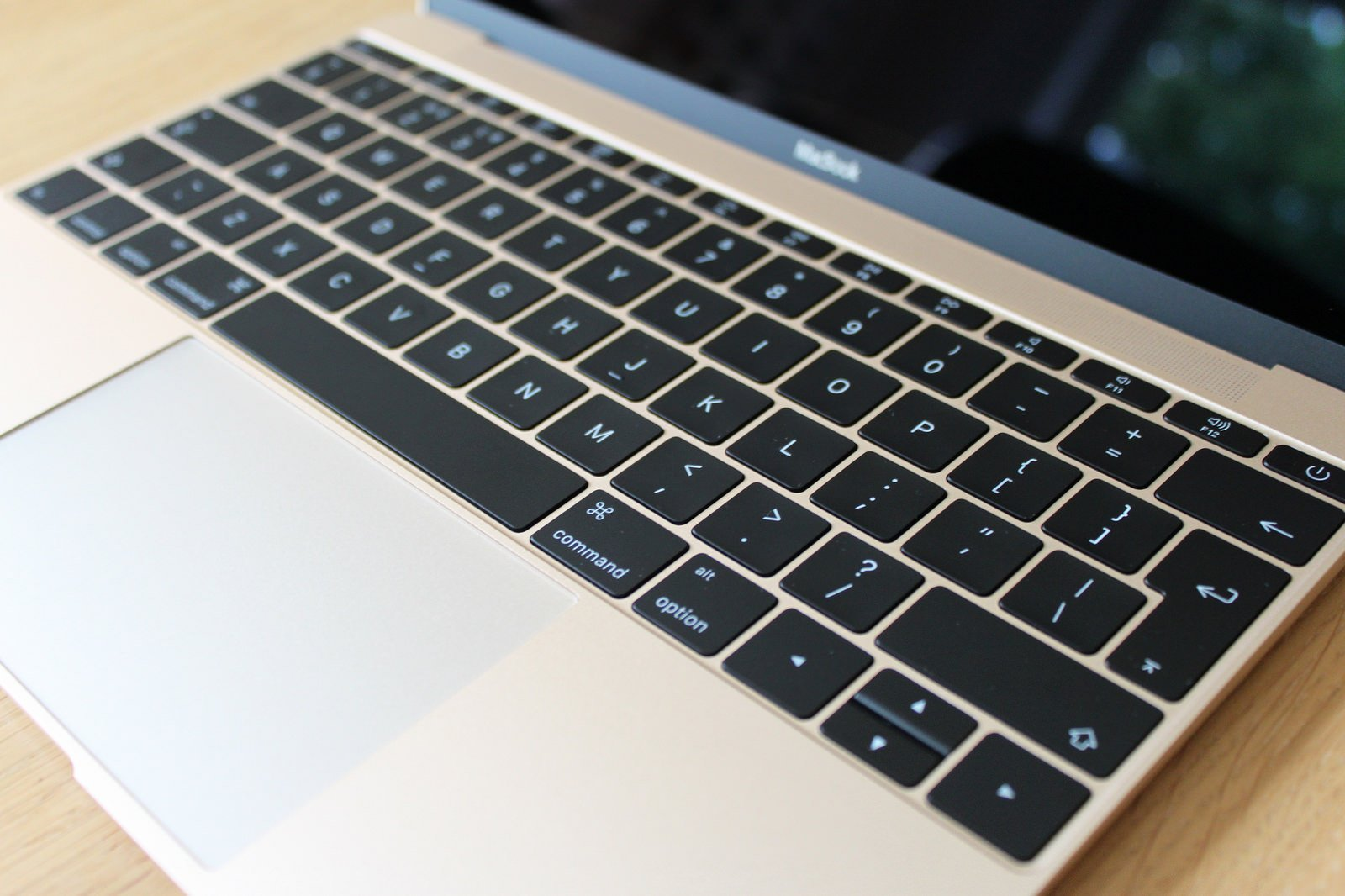 klávesnica - svetapple.sk